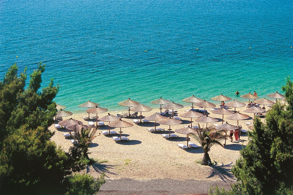 Řecko, Chalkidiki, Porto Carras, Hotel Sithonia Thalasso, pláž